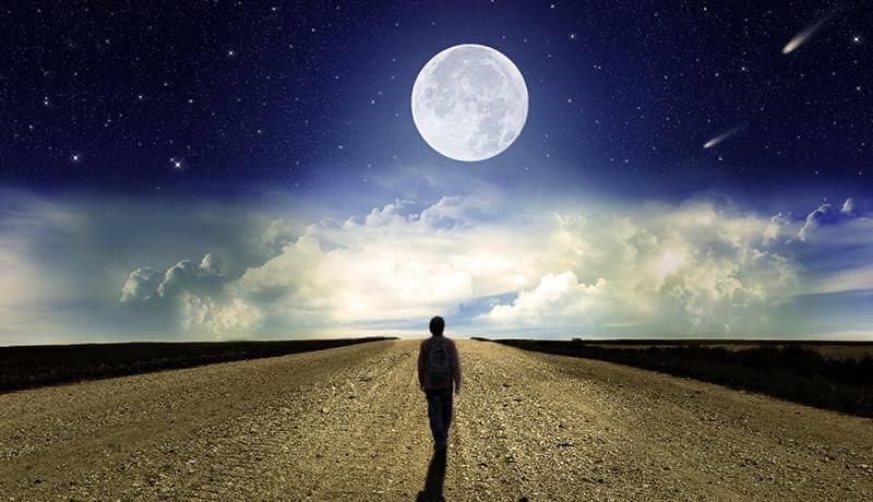 お月さま2つ分を歩くまでは